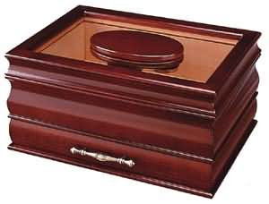 Master Glasstop Humidor Closed